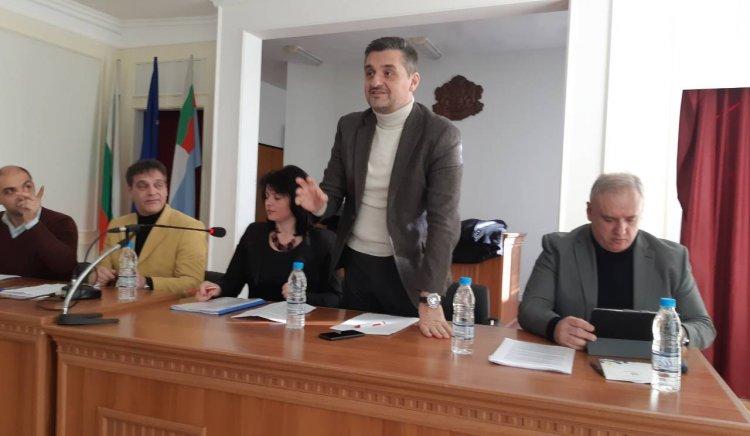 Кирил Добрев: ГЕРБ управляват местната власт на феодален принцип