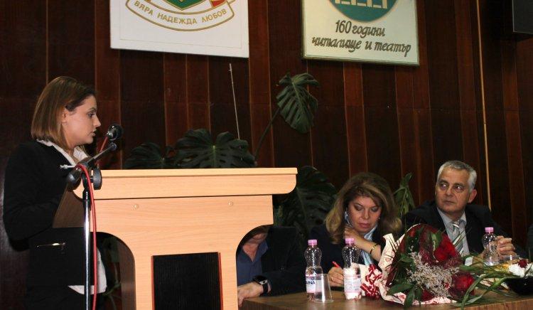 Илияна Йотова: Не може Цецка Цачева от разединител да стане обединител